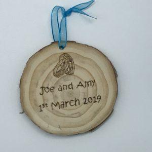 Personalised wooden slice wedding gift 7-9cm